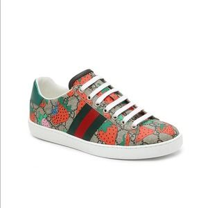 Gucci Ace Sneakers Strawberry